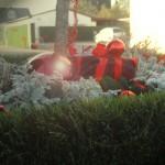 Kunstrasen Pflanzgefäß mit Weihnachtsdekoration