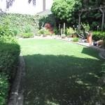 Kunstrasen in Gartenanlage