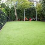 Garten mit Kunstrasen für Fußball