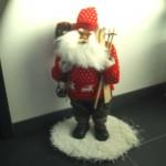 weißer Kunstrasen als weihnachtliche Schneeimitation