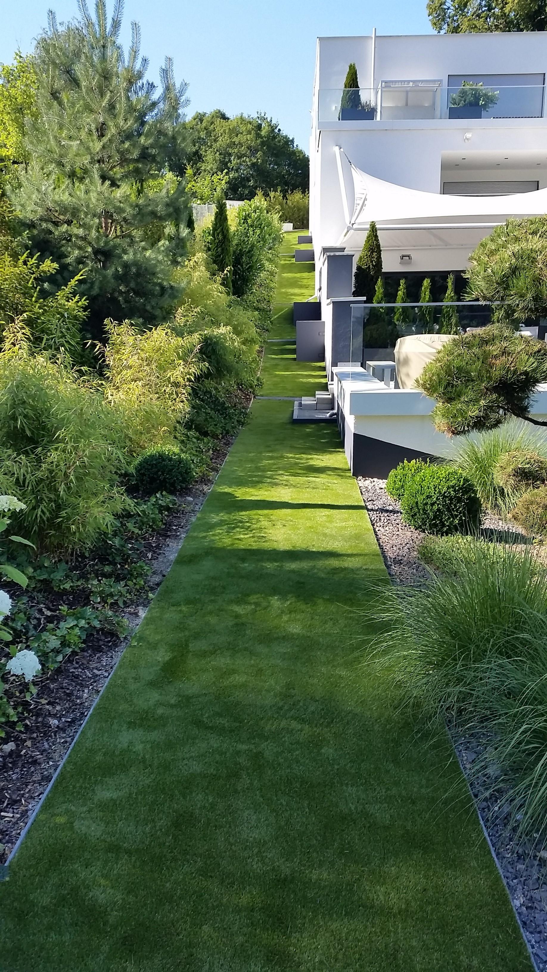 100qm kunstrasen green lavender rund ums haus in augsburg kunstrasen. Black Bedroom Furniture Sets. Home Design Ideas