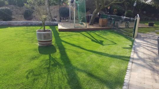 Kunstrasen Green Picasso im Garten