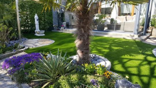 kunstrasen green lavender im garten